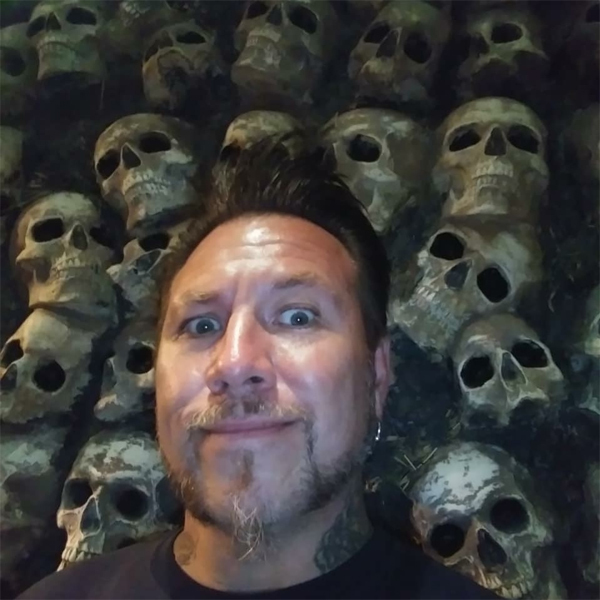 Tim_Baxley_skulls